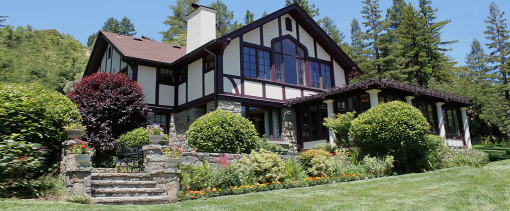 banner image is of image shows the exterior of the julia morgan redwood grove house
